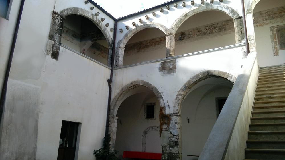 palazzo-Novelli-di-Carinola-Sec.-XV